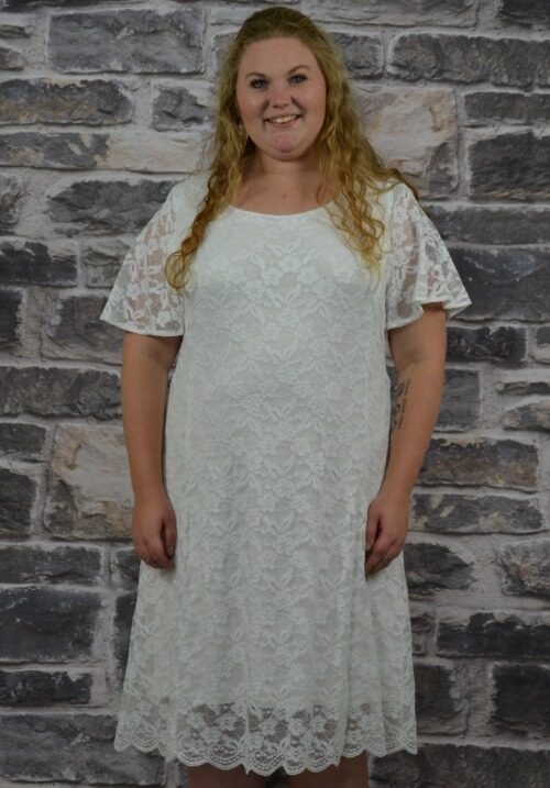47079fd0 Brudekjole i store størrelser str. 42 til 56 smuk blondekjole