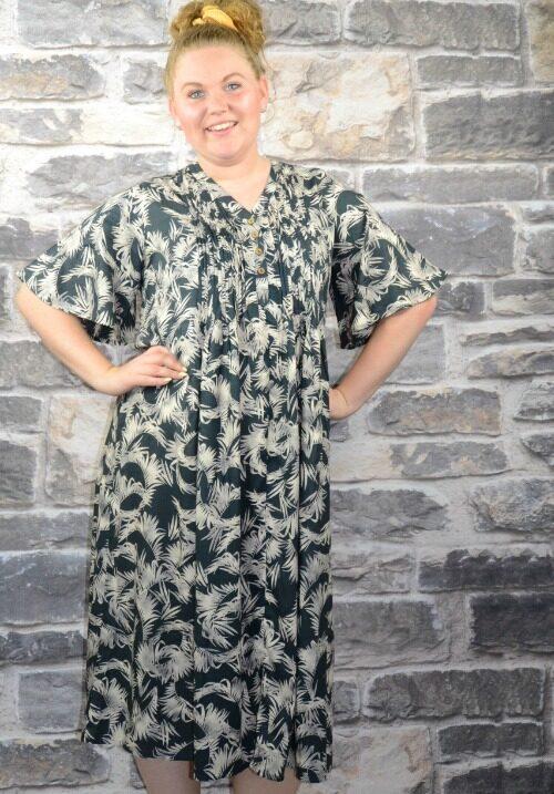 5074ff23 www.Plus-Q.dk - tøj til store piger - masser af ny damemode str. 44 ...