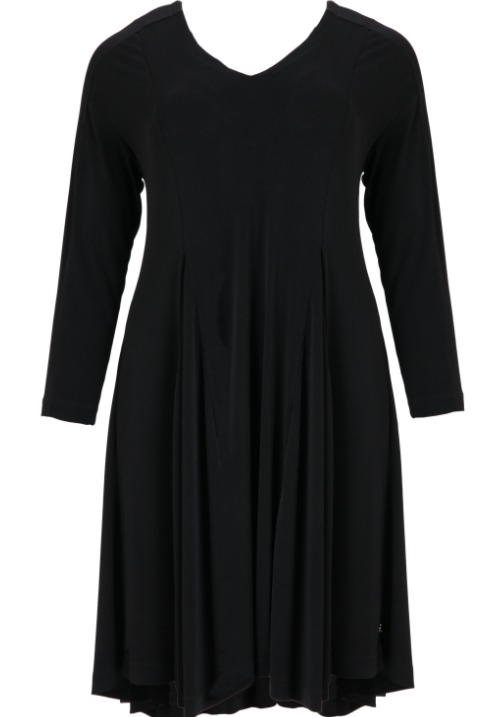 www.plus-Q.dk sort kjole i viskose fra MAT fashion 7106