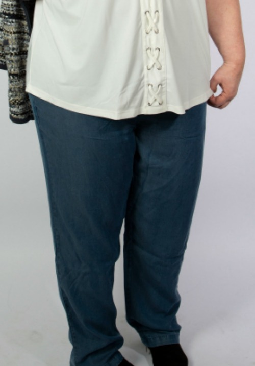www.plus-q.dk-super-stretch-jeans-med-ekstra-lårvidde-4