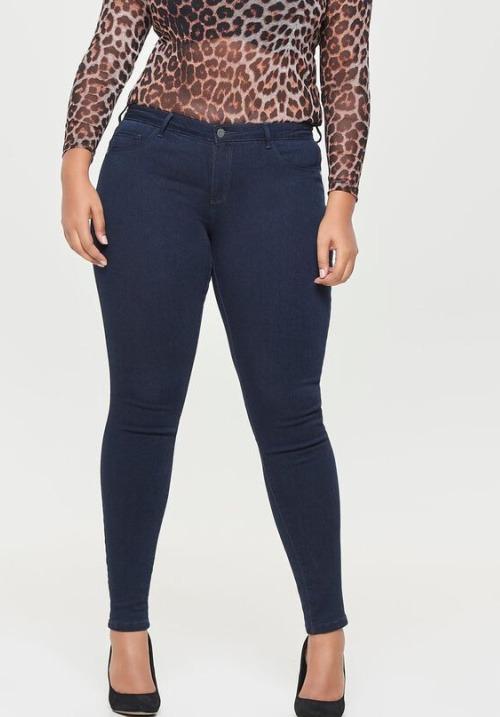 www.plus-Q.dk mørkeblå jeans fra Only Carmakoma